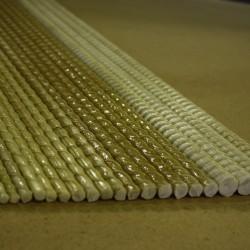 Стеклопластиковая арматура (АСП)— композитная арматура, изготавливаемая из стекловолокна, придающего прочность, и термореактивных смол, выступающих в качестве связующего. Одним из плюсов стеклопластиковой арматуры являются малый вес и высокая прочность. Имея высокую прочность и коррозийную стойкость, является альтернативой арматуре из металла